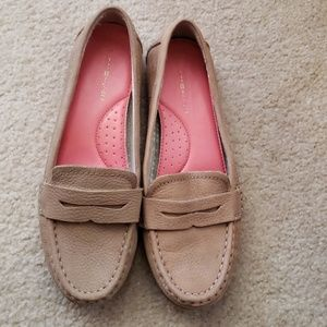 Tommy Hilfiger leather loafers